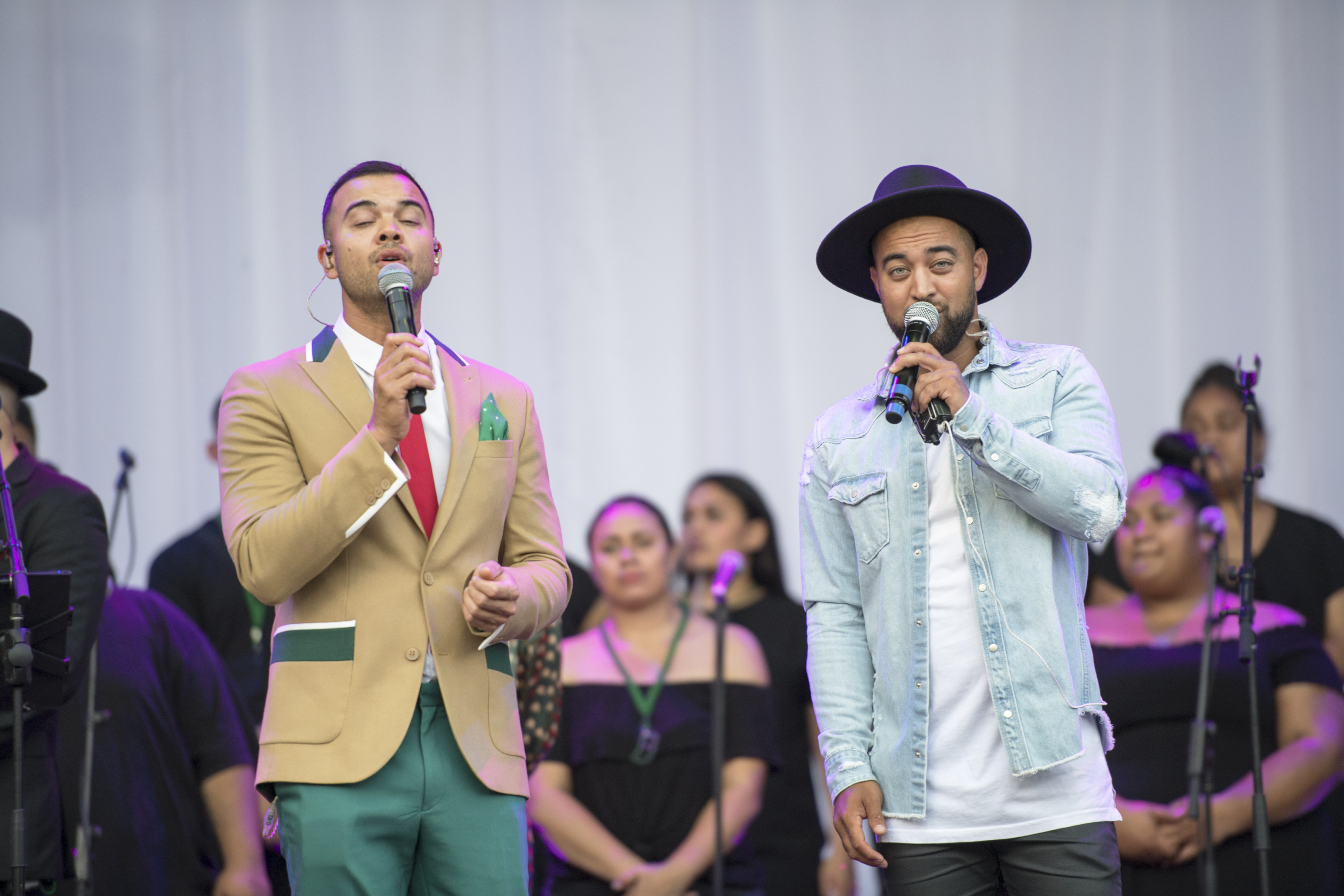 Guy and Chris Sebastian at Carols in the Crescent 2018